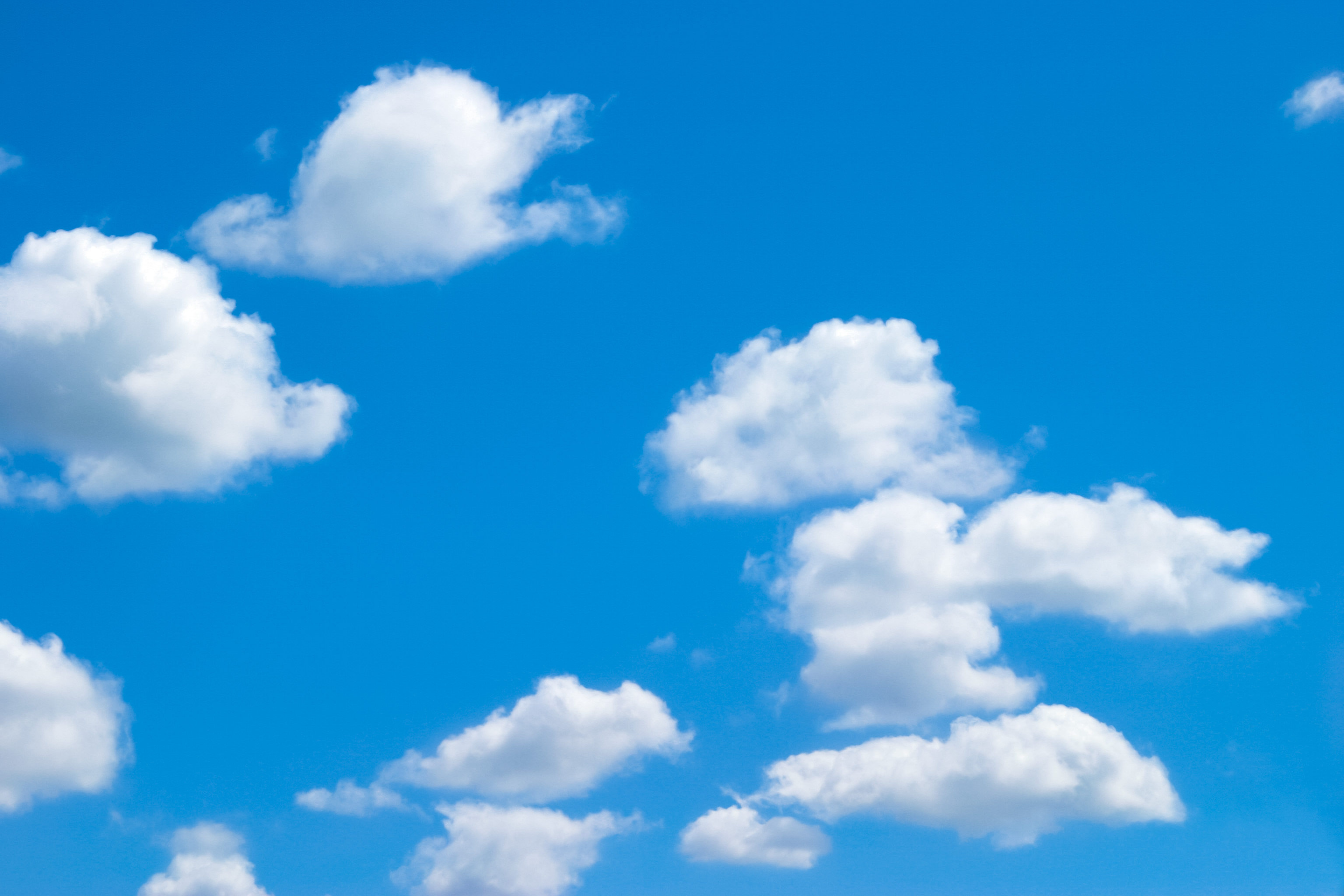 青い空とかわいい雲 Free Photos L/RGB/JPEG/350dpi
