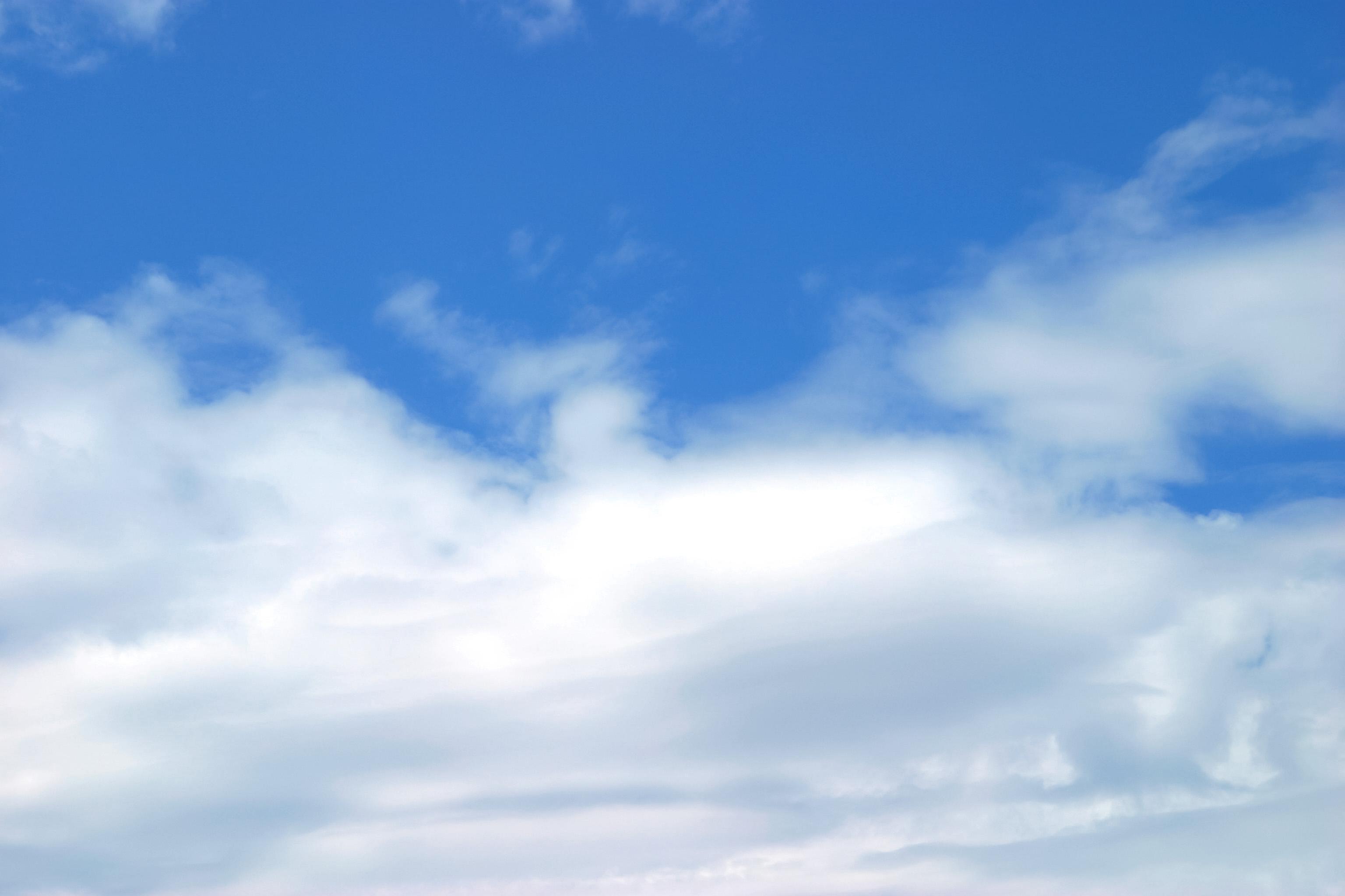 綿菓子のような雲 Free Photos L/RGB/JPEG/350dpi