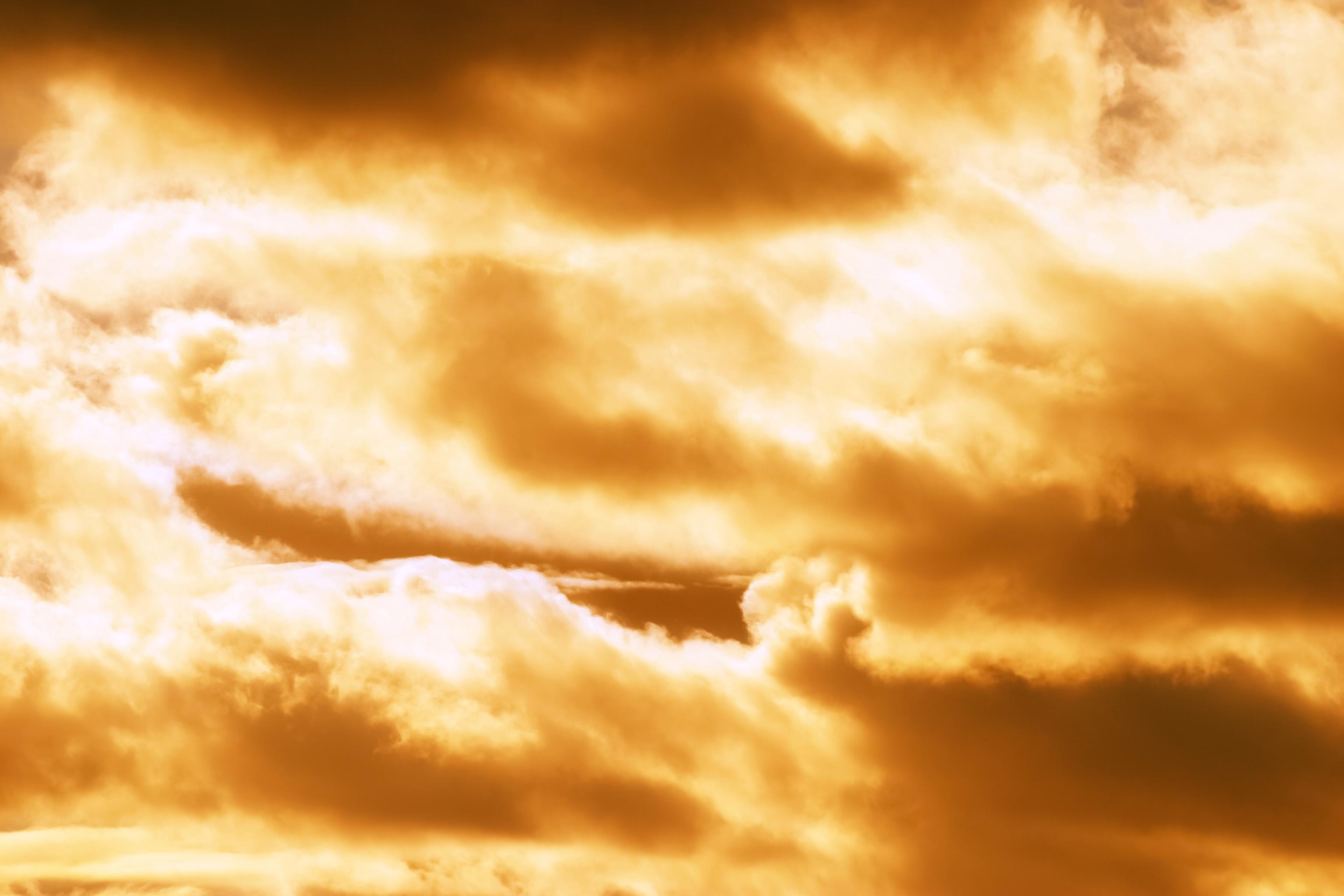 夕暮れの雲からあふれる光 Free Photos L/RGB/JPEG/350dpi