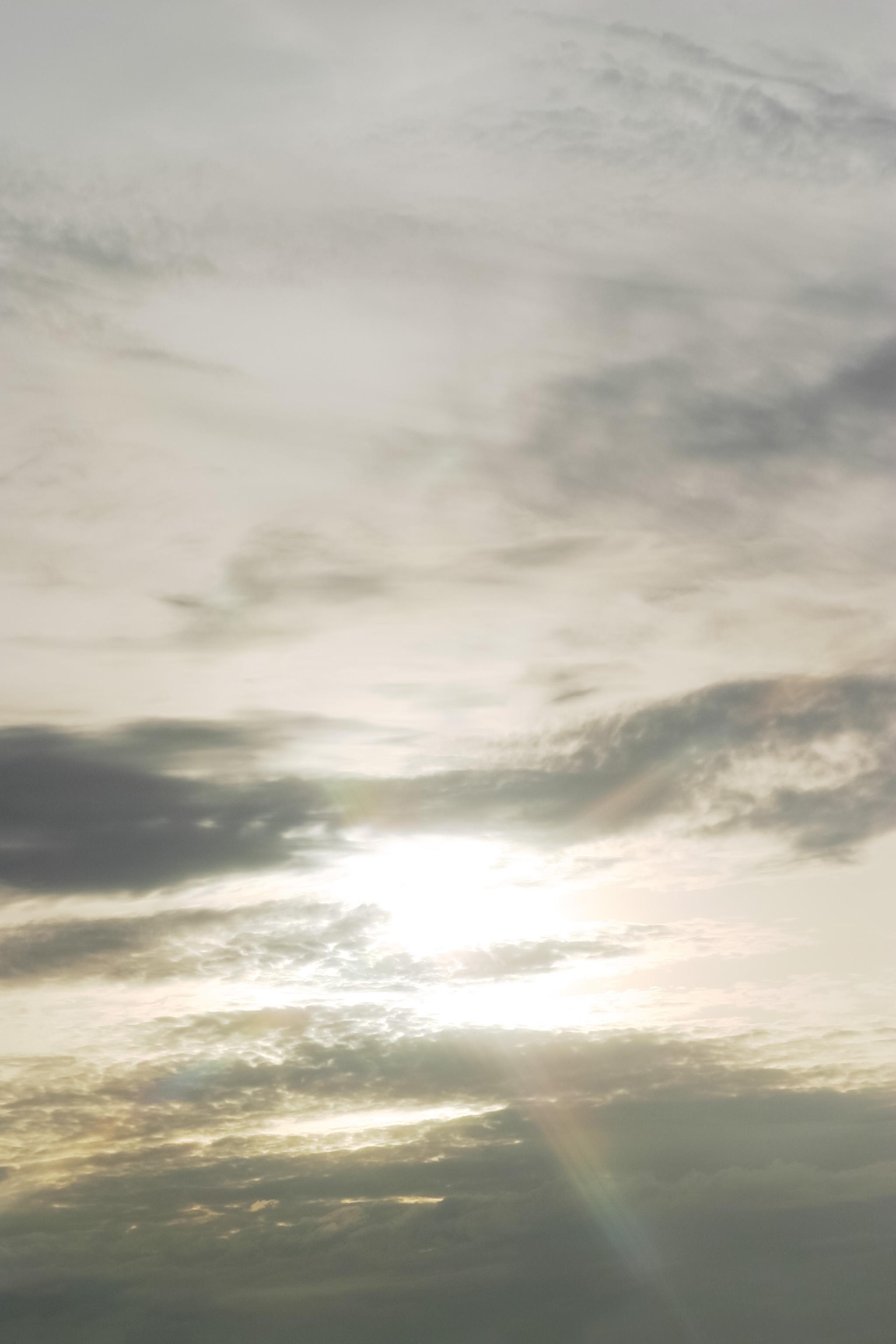 雲の向こうの太陽 Free Photos L/RGB/JPEG/350dpi